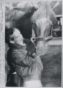 Ferdinand with jockey, Bill Shoemaker. The two enjoyed a close and warm relationship.