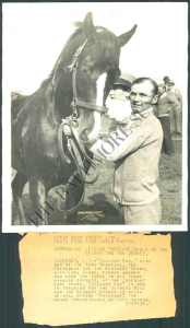 Gallant Fox with Earl Sande in 1930. The two would form a partnership as legendary as that of Ron Turcotte and Secretariat.