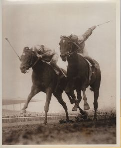 BOLD RULER (inside) narrowly beats GALLANT MAN (outside) in the 1957 Wood Memorial.