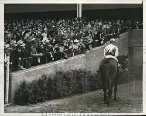 1941: SEABISCUIT leaves the track for the very last time.