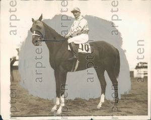 STIMULUS after his win in the 1925 Belmont Futurity.
