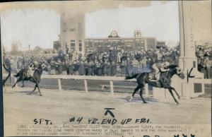 COUNT FLEET wins the Kentucky Derby and makes his sire, REIGH COUNT, a Derby-winning sire of a Derby-winning son. Photo and copyright, The Chicago Tribune.